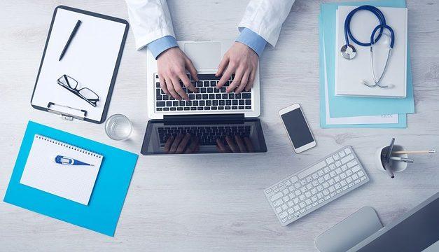 Lekari troše dve trećine svog vremena na papirologiju